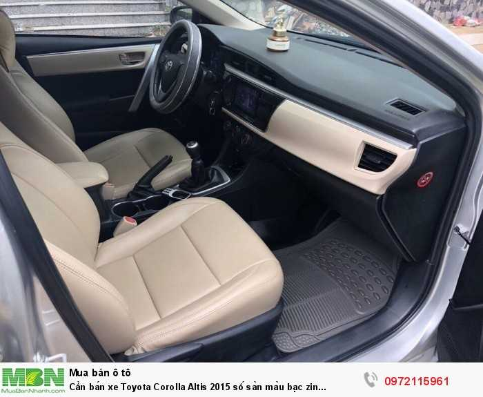 Cần bán xe Toyota Corolla Altis 2015 số sàn màu bạc zin cọp 2