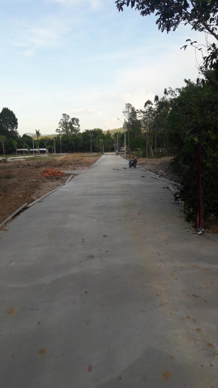 Chính chủ kẹt tiền bán gấp 1 nền liền kề Nguyễn Trung Trực, khu dân cư hiện hữu, sổ hồng riêng