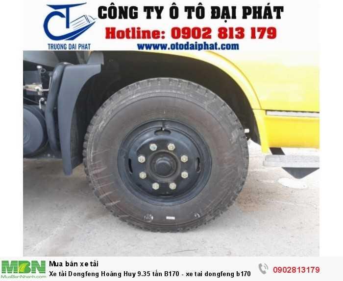 Xe tải dongfeng hoàng huy B170 có công thức bánh xe 4x2, được trang bị cở lốp 10.00R-20 bó thép có khả năng chịu nhiệt và ma sát tốt đảm bảo ban toàn trong quá trình vận hành.