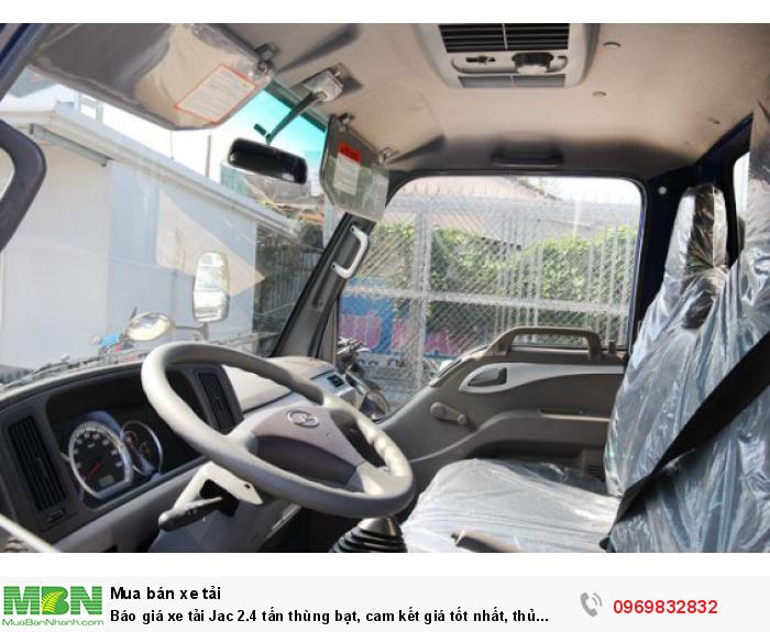 Nội thất trang bị tiện nghi trên xe tải Jac 2.4 tấn - gọi ngay Mr Độ 0969 832 832 (24/24)  hỗ trợ mua xe trả góp tốt nhất!