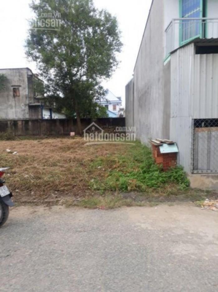 Chị Ba Liên ly dị chồng bán đất mặt tiền đường, Bình Chánh, 300 m2