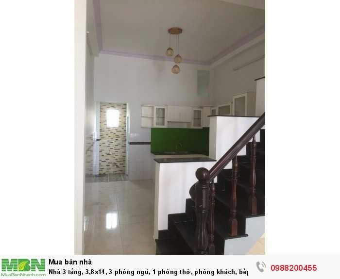 Nhà 3 tầng, 3,8x14, 3 phòng ngủ, 1 phòng thờ, phòng khách, bếp rộng rãi. Hẻm xe hơi 1/ cây trâm, phường 9