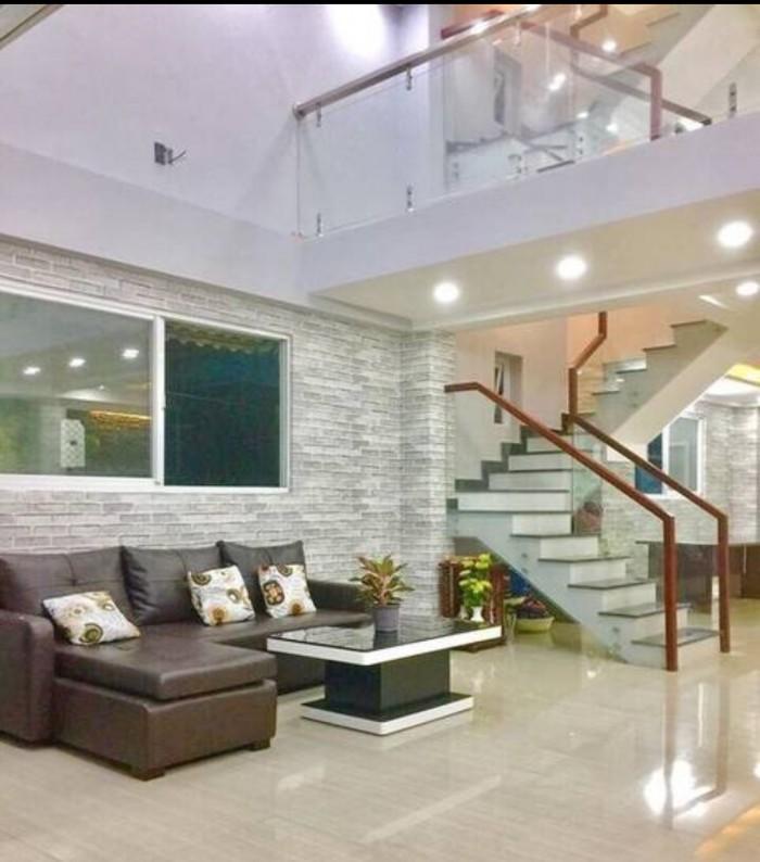 Bán gấp nhà mặt tiền đường Huỳnh Tấn Phát, DT 6.7x25m,4 tầng, giá 14 tỷ tặng full nội thất