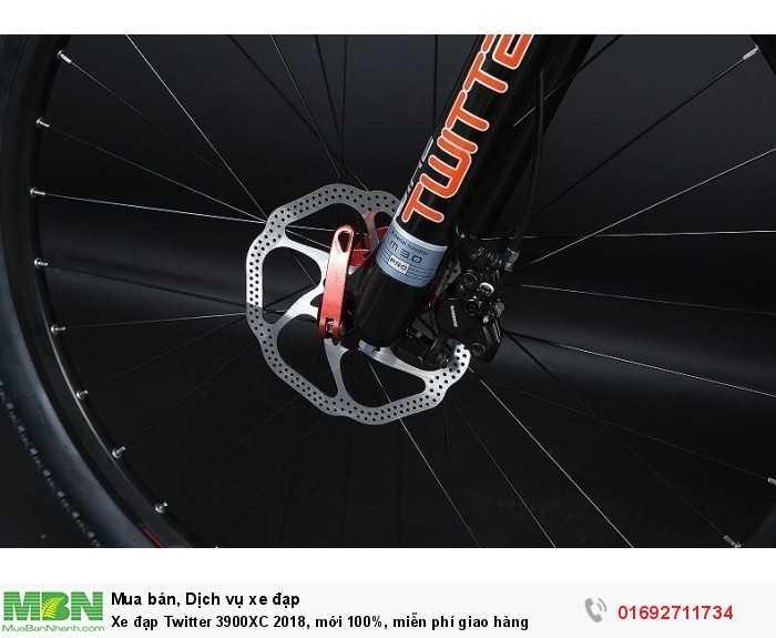 Phanh: Shimano BR-MT200, phanh đĩa dầu thủy lực thể thao