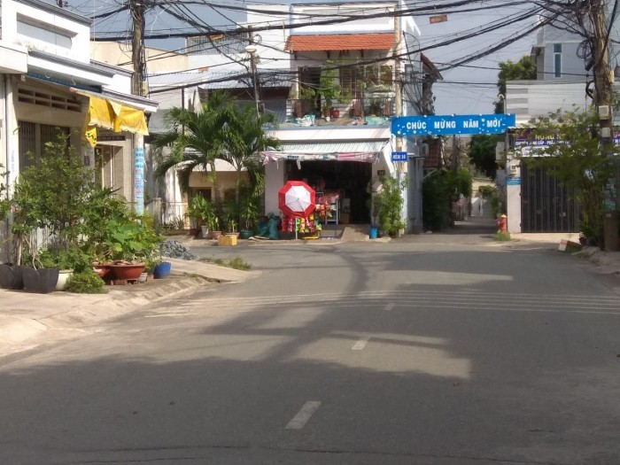 Nhà ĐẸP 1 trệt/ lửng 127 m2 MT Hai Bà Trưng, Hiệp Phú Quận 9