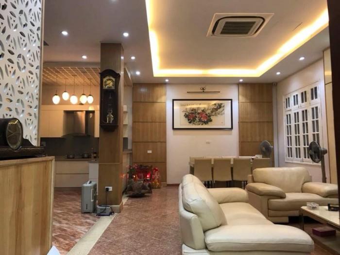Tôi có nhà muốn bán khu Hoàng Ngân , nội thất đẹp , 4 tầng , 58m2