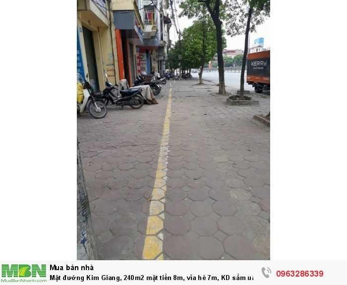 Mặt đường Kim Giang, 240m2 mặt tiền 8m, vỉa hè 7m,  KD sầm uất