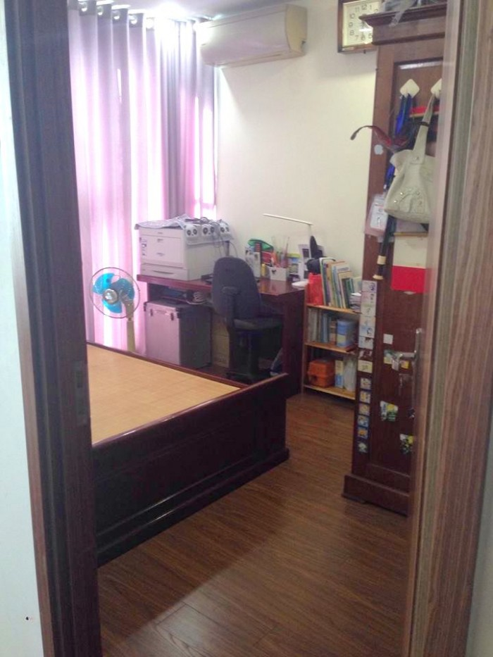 Bán căn 01 tại CT4-Eco-green City,75m2, sổ đỏ chính chủ,nội thất như hình,cần bán trong tháng 6 âm
