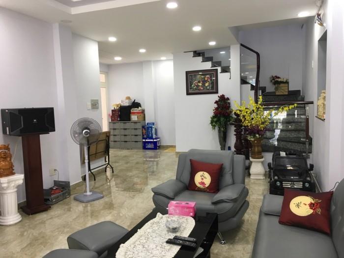Cần bán nhà gấp: Mặt Tiền Nguyễn Hữu Thọ, Q7. 108m2