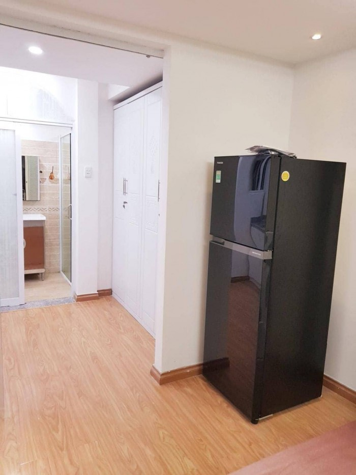 Bán chuỗi căn hộ dịch vụ Tô Hiến Thành, 190m2, 1 hầm 4 lầu