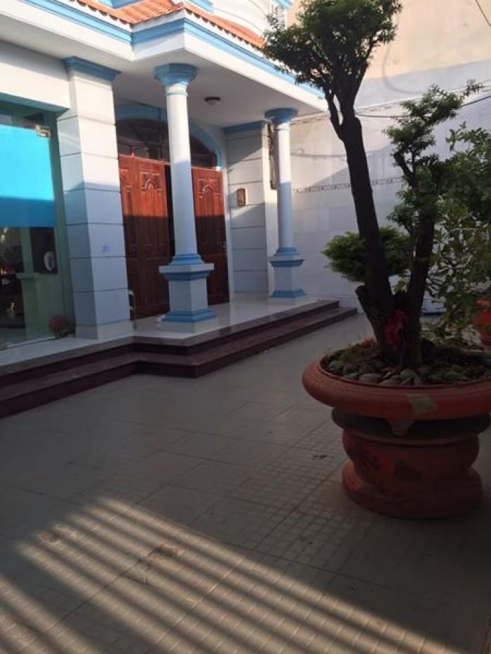 Bán Nhà Mt Trần Phú, Q.5, Dt: 4X20M, 2 Lầu