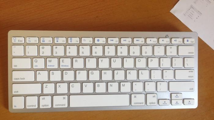 Bàn phím Bluetooth giá rẻ nhập khẩu sang trọng smart keyboard9