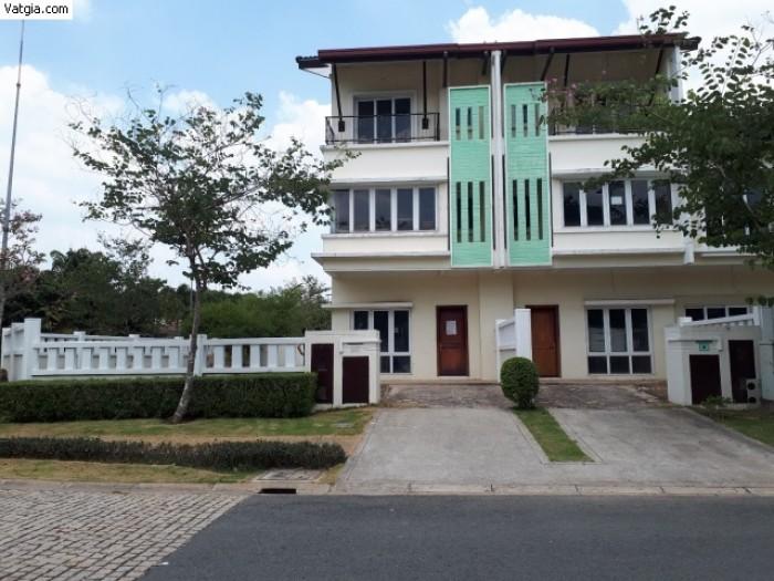 Bán đất gần trung tâm hành chính quận và trường đại học Việt Đức, gần khu du lịch sinh thái.