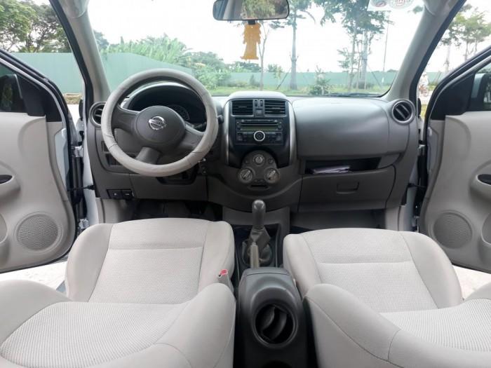 Nissan Sunny 2015 màu bạc số sàn xe đi đúng 47 000 km