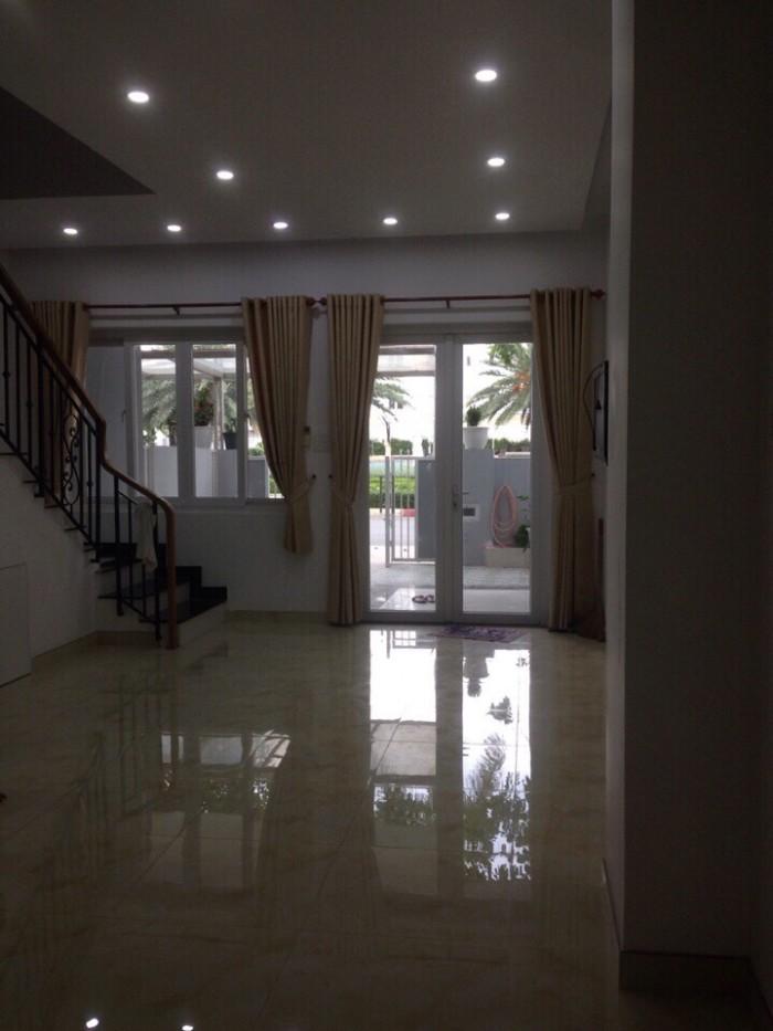 Cho thuê gấp biệt thự 1 trệt 2 lầu của Mega Village Khang Điền i Q9 chỉ 18tr/th
