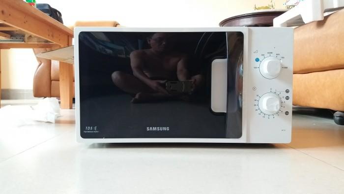 Lò vi sóng Samsung1