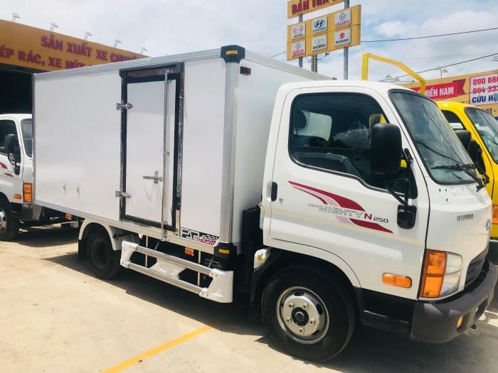Hyundai N250 2.5 tấn