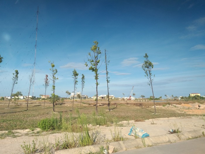Bán đất nền dãy 2 đường 36m view công viên và sông cầu rào Đồng Hới - Quảng Bình
