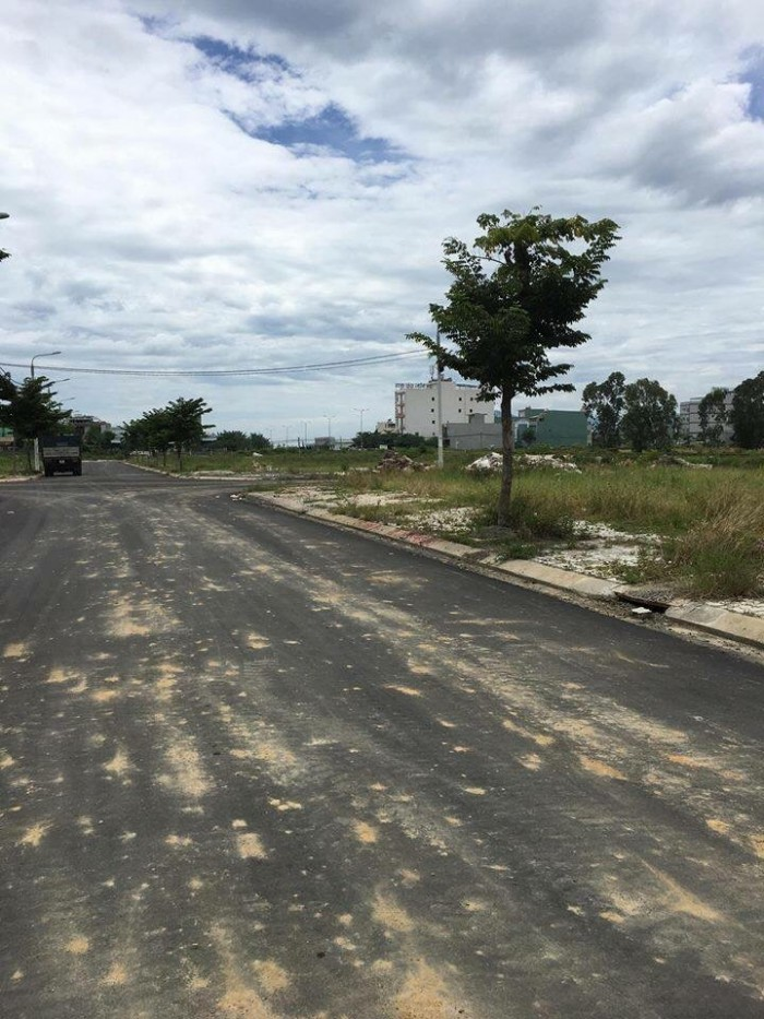 Bán nhanh lô Pandỏa đường Phan Văn ĐỊnh đường 7m5