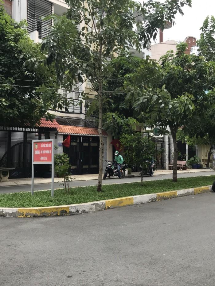 Bán Căn Biệt thự đường Nguyễn Cửu Đàm Q Tân Phú.dt 11x20m.4 tấm