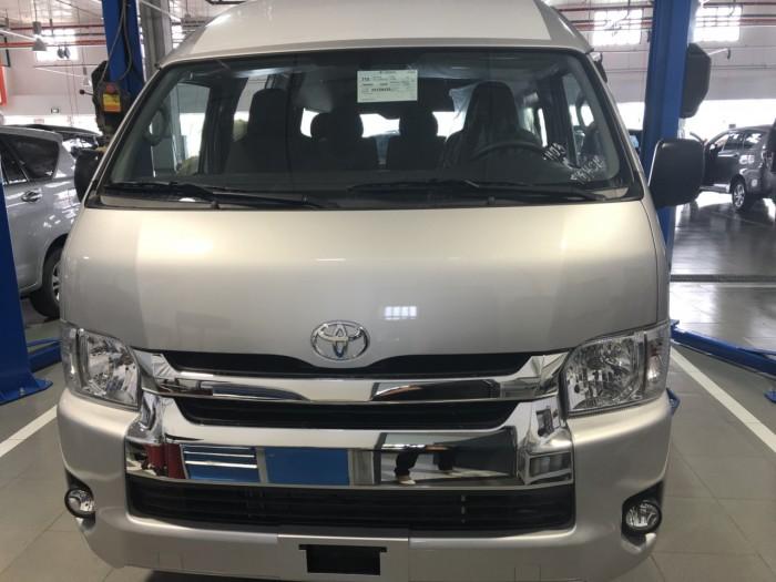 Toyota Hiace 3.0L số sàn 15 chỗ màu bạc giao ngay 5
