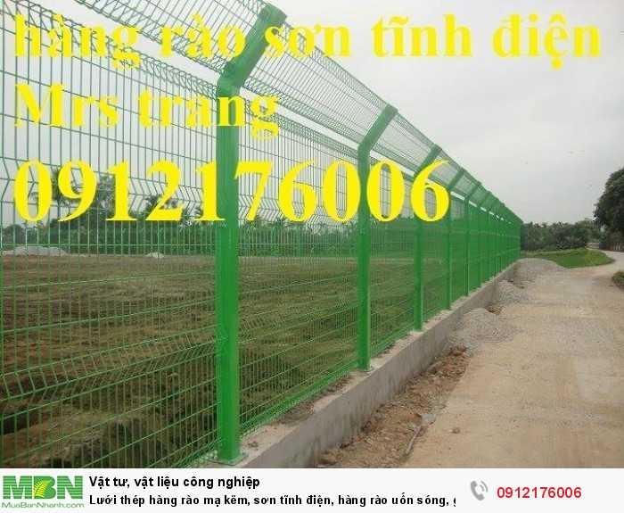 Hàng rào lưới thép hàn D5 a 50x150 mạ kẽm sơn tĩnh điện1