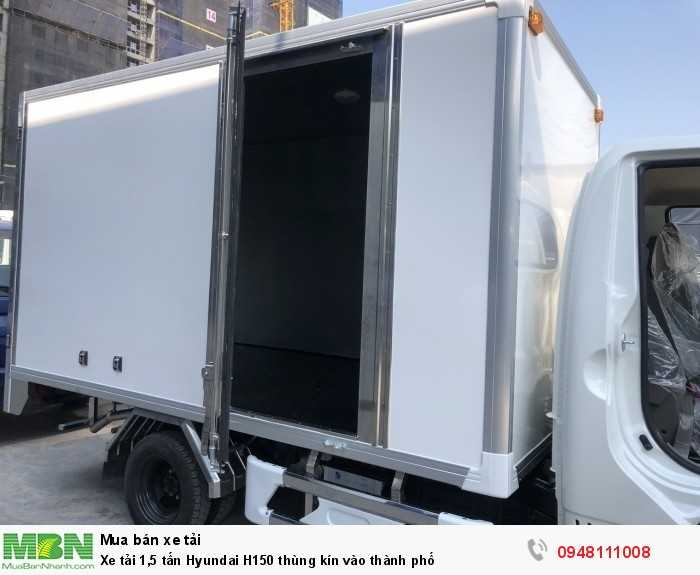 Xe tải 1,5 tấn Hyundai H150 thùng kín vào thành phố