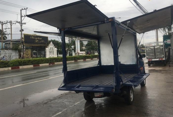 Xe tải Dongben thùng kín 770 kg thùng cánh dơi mới