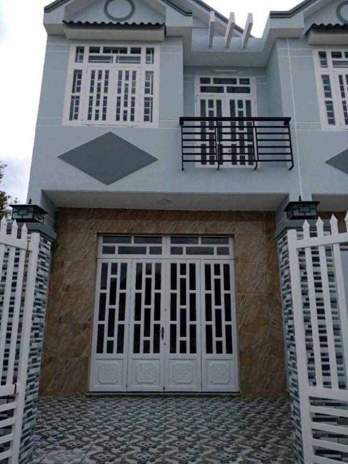 Bán nhà mới xây, 1 lầu, 1 trệt gần KCN Cầu Tràm, thiết kế phong cách Châu Âu