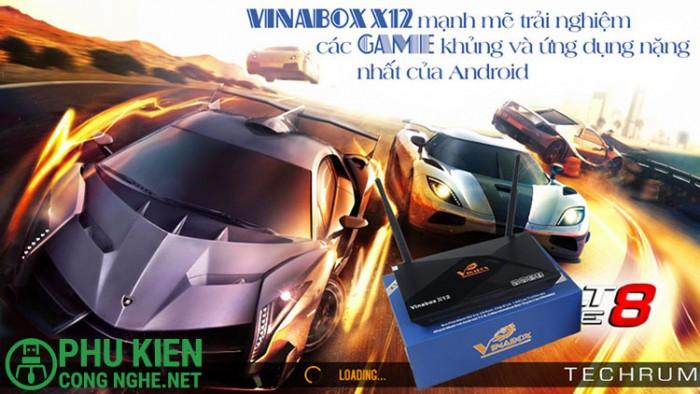 Ấn tượng với thiết kế viên Kim Cương cao cấp của chiếc VINABOX X12, sử dụng 2 râu anten wifi và đầy đủ các cổng kết nối ngoại vi:  + 03 cổng USB 2.0 + 01 cổng Micro USB + 01 khe cắm thẻ nhớ Micro + 01 cổng HDMI 2.0 + 01 cổng âm thanh optical + 01 cổng AV + 01 cổng LAN RJ454