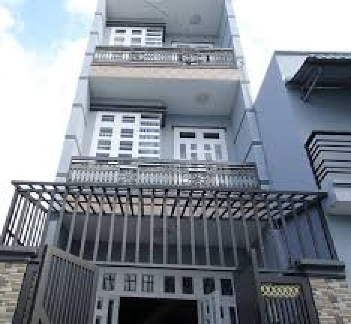 Gấp! Cần tiền bán nhà mặt tiền Trần Quang Diệu, 120 m2, Q.3