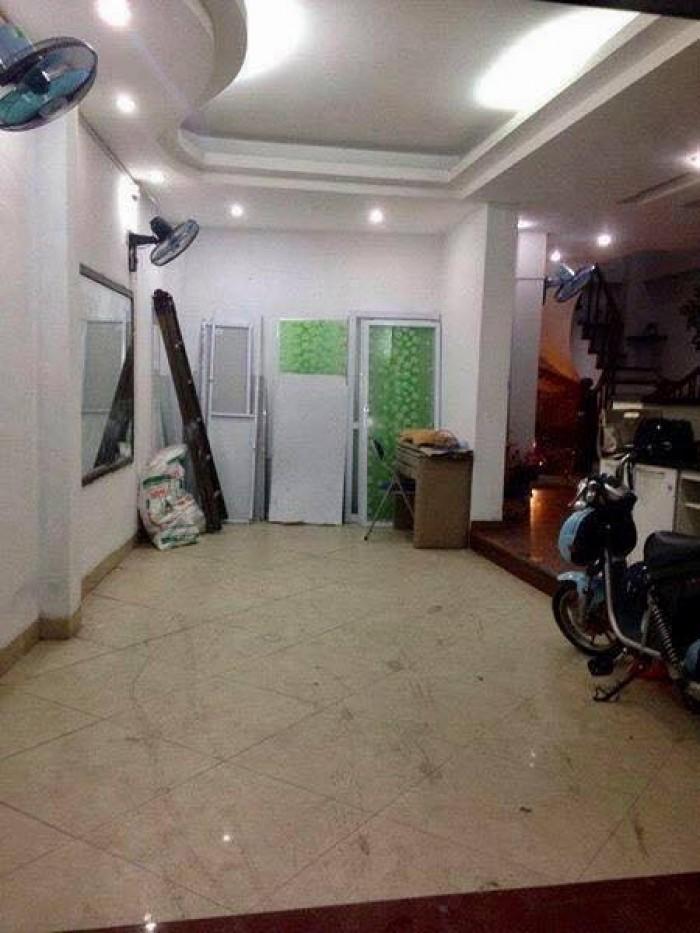 Chuyển sang CANADA bán nhà Hào Nam, Kinh doanh, 80m2, MT 6.5m