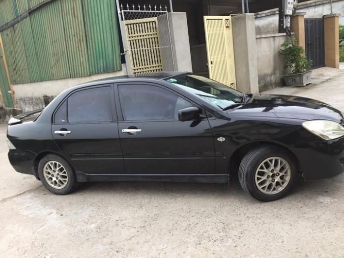 Khách coi Mitsubishi Lacer 1.8 at 2003 màu đen 4
