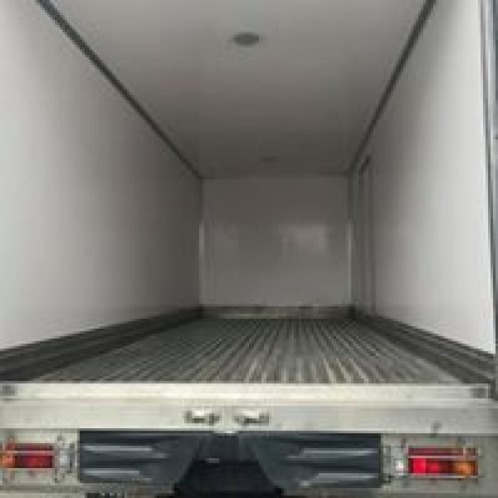 Xe tải Hino XZU720 thùng đông lạnh, giá tốt nhất miền nam