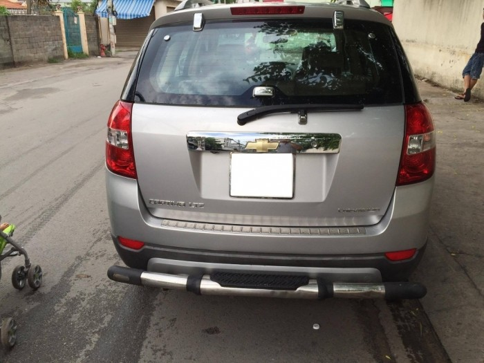 Gia đình cần bán xe Chevrolet Captiva 2008 Ltz số tự động, màu bạc, xe gia đình