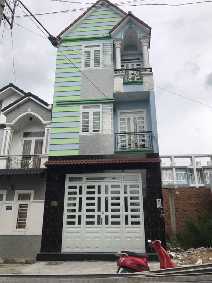 Kẹt tiền nên bán lẹ căn nhà tại đường Đoàn Văn Bơ, p18, quận 4, nở hậu