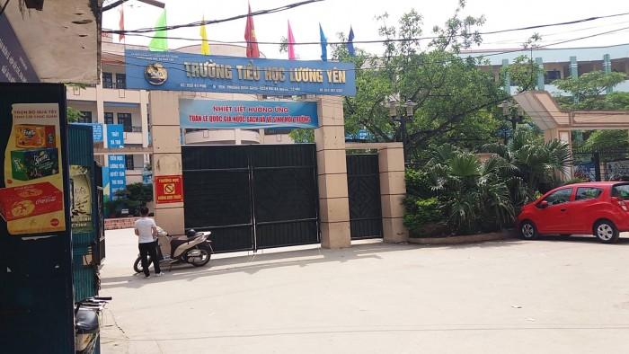Bán đất (có nhà cấp 4) đối diện Trường Học Lương Yên, Hai Bà Trưng, kinh doanh cực tốt,