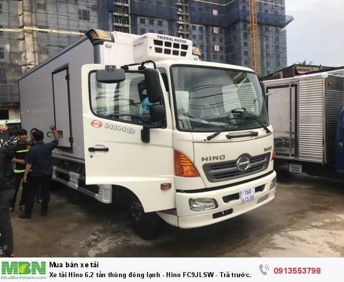 Khuyến mãi mua xe tải Hino 6.2 tấn thùng đông lạnh - Hino FC9JLSW - Trả trước 150 triệu, giao xe ngay - Hotline: 0913553798 (Mr Thi 24/24)