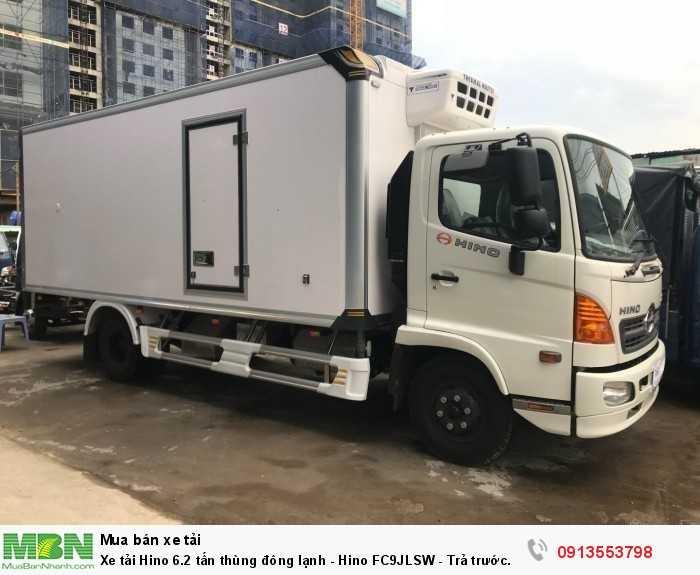 Bén xe tải Hino 6.2 tấn thùng đông lạnh - Hino FC9JLSW - Trả trước 150 triệu, giao xe ngay - Hotline: 0913553798 (Mr Thi 24/24)