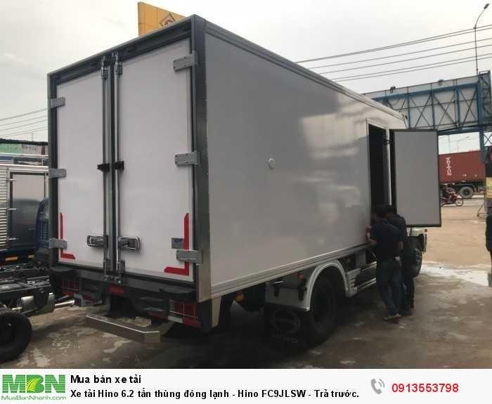 Xe tải Hino 6.2 tấn thùng đông lạnh - Hino FC9JLSW - Trả trước 150 triệu, giao xe ngay - Hotline: 0913553798 (Mr Thi 24/24)