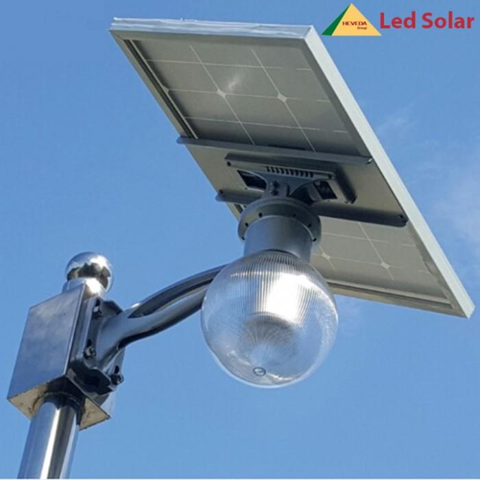 Đèn led năng lượng mặt trời 8W0