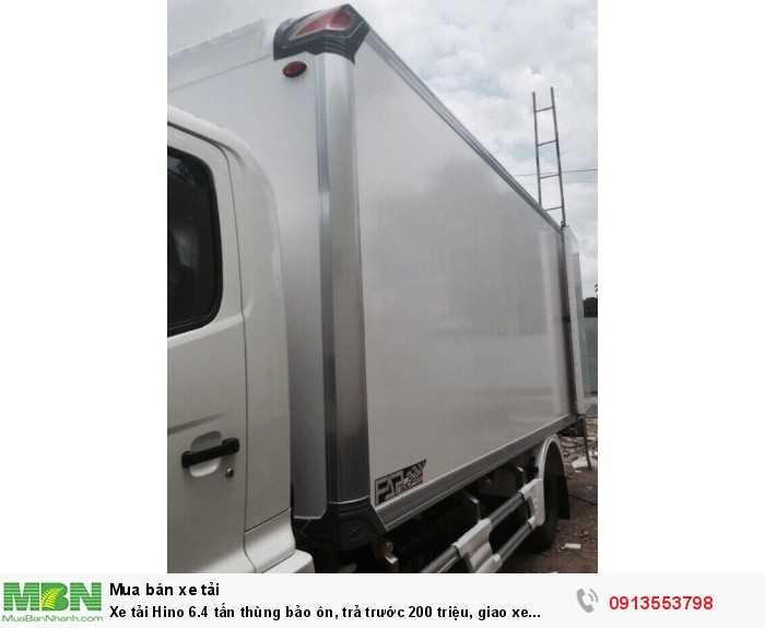 Bán xe tải Hino 6.4 tấn thùng bảo ôn, trả trước 200 triệu, giao xe ngay - Gọi 0913553798 (Mr Thi 24/24)