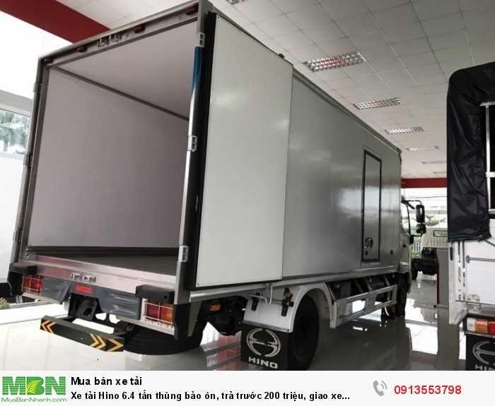 Khuyến mãi mua xe tải Hino 6.4 tấn thùng bảo ôn, trả trước 200 triệu, giao xe ngay - Gọi 0913553798 (Mr Thi 24/24)