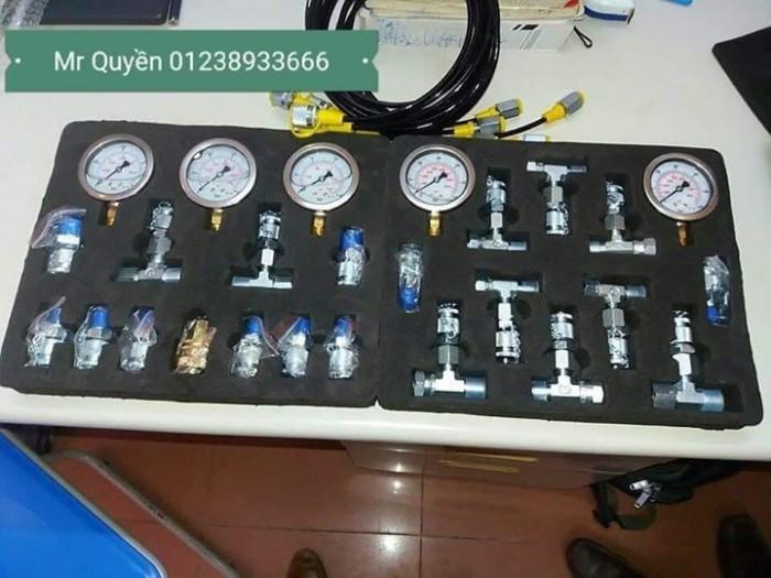 Bộ đồng hồ đo áp suất thủy lực4
