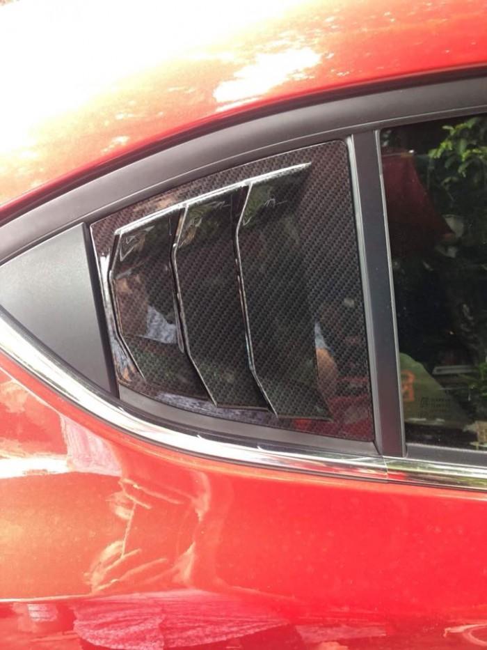 Ốp mang cá cho xe hơi