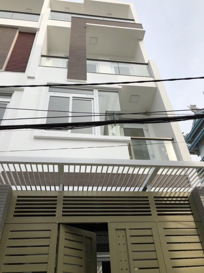 Tôi cần bán gấp nhà 80m2, 3 lầu đường Trần Phú, Quận 5