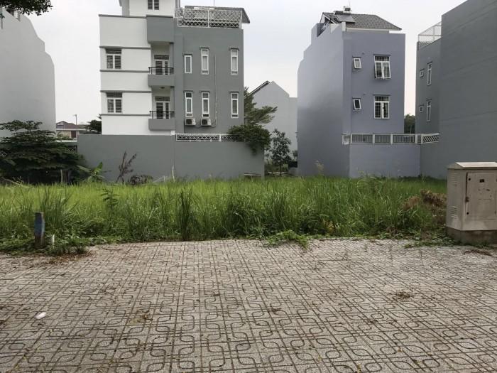 Đi du học nên bán nhanh căn nhà mới xây chưa ở và lô đất kề bên nhà