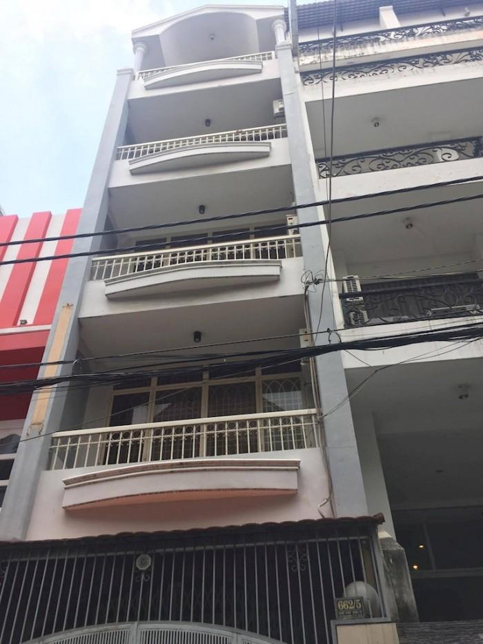 Bán gấp nhà MT Nguyễn Kim 105m2. SHR