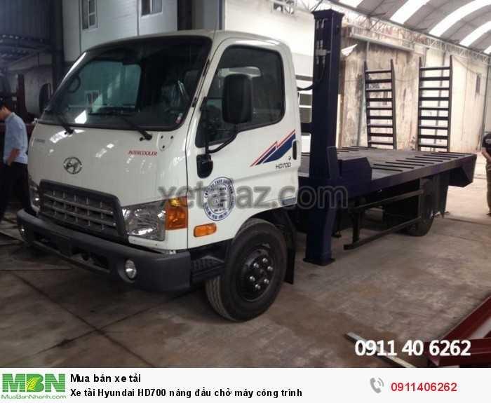 Xe tải Hyundai HD700 nâng đầu chở máy công trình 6