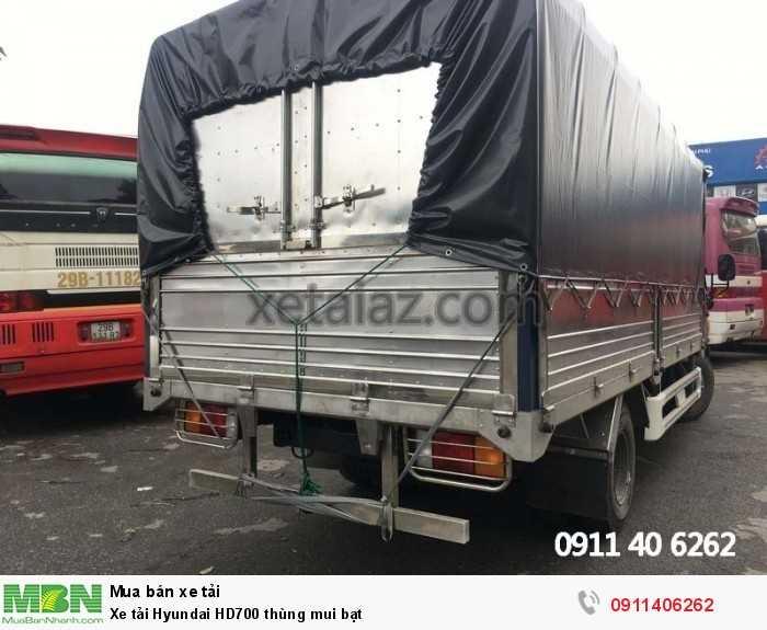 Xe tải Hyundai HD700 thùng mui bạt